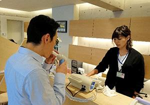 津島店の健康フェアの様子(健康チェック)